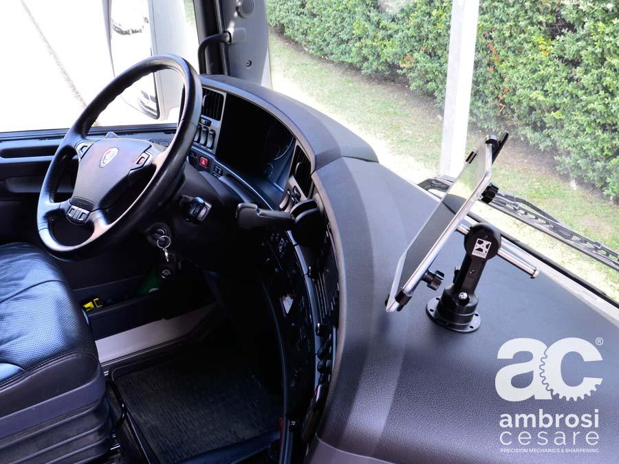 tablet_supporto_su_camion